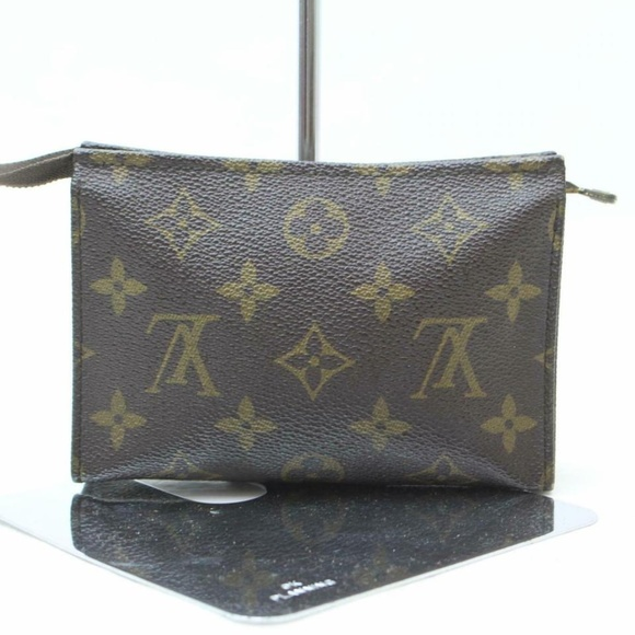 Louis Vuitton Handbags - Louis Vuitton   Toilette 15 Toiletry Pouch 870574